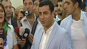 Presidential candidate Selahattin Demirtaş casts his vote